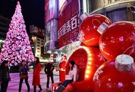 christmas - Do They Celebrate Christmas In China